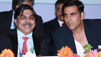 Dr.Hrishikesh Pai and Akshay Kumar