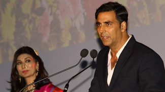 Dr. Rishma Pai with Akshay Kumar